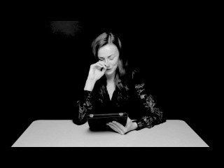 Оргазм во время чтения - Danielle